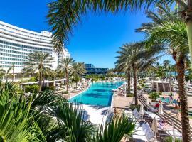 Miami Beach Tresor Private Ocean Luxury Suite, villa in Miami Beach