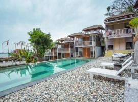 Tree House Villa, отель в Нуса-Дуа