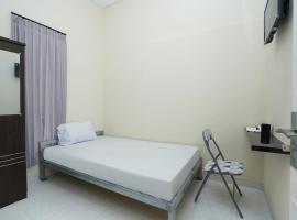 OYO Life 2460 Kost Simorejo Timur, отель в Сурабае