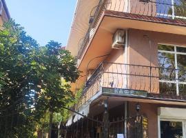 Гостиница Ника, отель в Геленджике