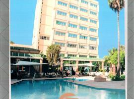 El Oumnia Puerto & Spa, hotel en Tánger