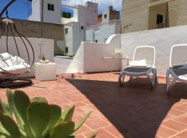 Casa Doña Carmela - Guest House - Free Parking, B&B in Santa Cruz de Tenerife