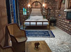 Shangri-La The Heritage Home Stay, hotel with jacuzzis in Jodhpur