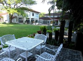 Elegant Lodge & Conference Center, hotel with parking in Pongola