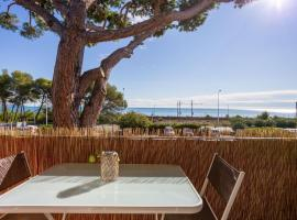 Sleep In Antibes Marineland See View, serviced apartment in Antibes