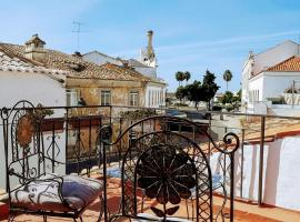 Happy Terrace Downtown Tiny House 100% Portuguese, tiny house in Faro