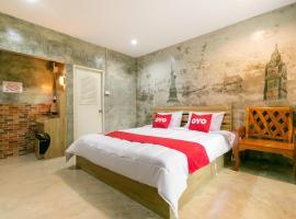 OYO 945 The Rome Resort, hotel in Pran Buri