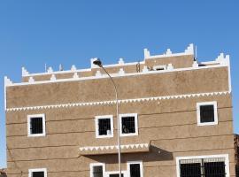 Alsulaimi Bait, motel in Shaqra