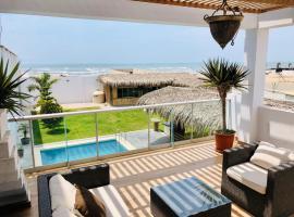Kame House - Alquiler casa de playa, pet-friendly hotel in Pimentel