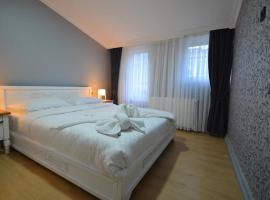 Two-bedroom Apartment in Tbilisi City Centre, apartment in Tbilisi City