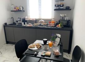 Capitani Guest House, guest house in Fiumicino