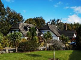 Tudor Lodge B&B, hotel near Glendalough, Laragh
