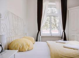 Pension Bertha, Hotel in Jena