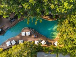 Ramada Resort by Wyndham Port Douglas, hotel in Port Douglas