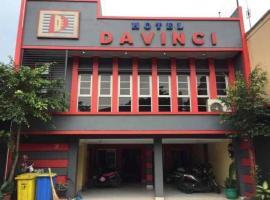Hotel Davinci Cisarua, hotel near Ciherang Waterfall, Bogor
