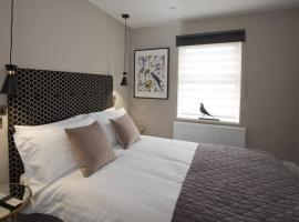 Blackbird Luxury 2 Bed Accomodation Room 8, apartment in Blackpool