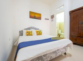 SPOT ON 3961 Fico's Residence Syariah, hotel near Grand Galaxy Park, Bekasi