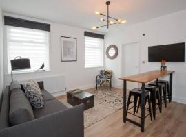 Blackbird Luxury Accommodation Room 10, apartment in Blackpool