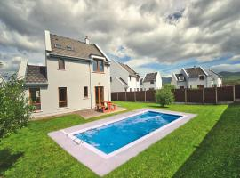 Lough Currane Holiday Homes, hotel in Waterville
