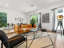 Jurny - Bishop Arts District 2 Bedroom Apartments, vacation rental in Dallas