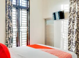 OYO 3015 Galliano Homestay Syariah, hotel near Gadang Clock, Bukittinggi