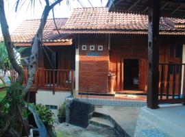 BoB Home, beach hotel in Yogyakarta