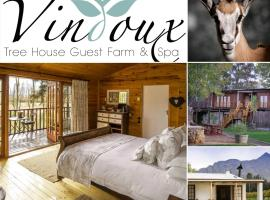 Vindoux Tree House Guest Farm & Spa, guest house in Tulbagh