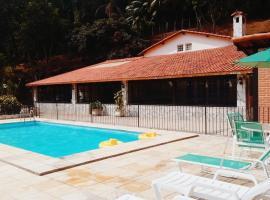 Pousada Pé da Tartaruga, hotel with pools in Teresópolis