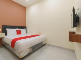 RedDoorz Syariah near Summarecon Mall Serpong 2, hotel in Tangerang