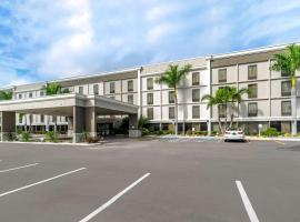 Comfort Inn & Suites Clearwater - St Petersburg Carillon Park, hotel near St. Pete-Clearwater International Airport - PIE,