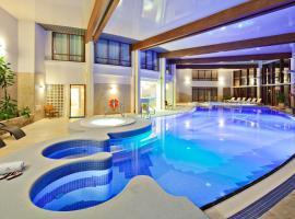 Hotel Dom Zdrojowy Resort & SPA, hotel in Jastarnia