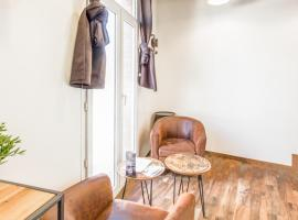 Bright and classy flat loft-style nearby Le Havre train station Welkeys, apartment in Le Havre