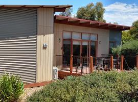 Eco Holiday Resort Villa 174, hotel near Phillip Island Wildlife Park, Cowes