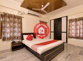 Capital O 10598 Sunrise Castle, отель в городе Kondapur