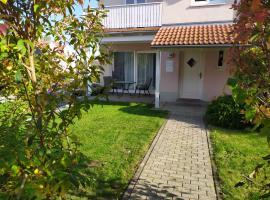 4* Ferienwohnung Neukirchen im Erzgebirge, Hotel in der Nähe von: Wasserschloss Klaffenbach, Adorf