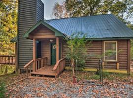 Secluded Log Cabin on Self Mountain with Deck and Views, hotel in Blairsville