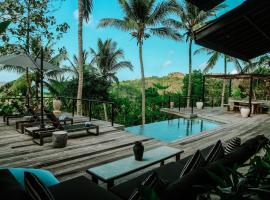Villa Kanan, Luxury Seaview Pool Villa in the Jungle, hotel in Selong Belanak