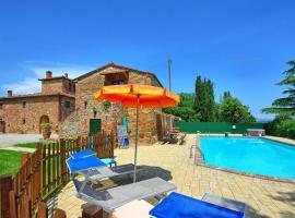 Monte San Savino Villa Sleeps 18 with Pool Air Con and WiFi, villa in Monte San Savino