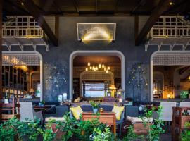 Reverie Siam, resort in Pai