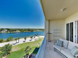 Stunning All-suite Getaway with Pool, Private Beach condo, apartment in Pensacola