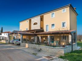 Apartments & Rooms Buoni Amici, Bed & Breakfast in Umag
