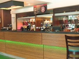 Holiday Inn Express London Heathrow T5, hotel in Slough