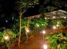 Coffee hills Camping Resort, pet-friendly hotel in Cherambane