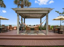 Beach Place Guesthouses, serviced apartment in Cocoa Beach