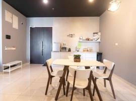Spacious 3 Bedrooms by Cozy Home, apartment in Bayan Lepas