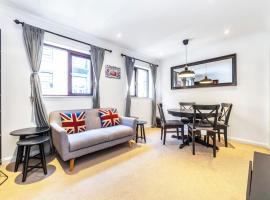 Prospect Elegant and Cosy One Bedroom Apartment Minutes to Docks and River, hotel in London