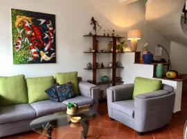 Canada4 Garden view House in Thao Dien, hotel in Ho Chi Minh City