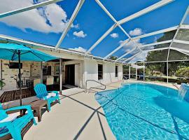 Canal-Front Escape - Heated Pool, Spa, Gulf Access home, Ferienunterkunft in Cape Coral