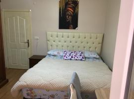 Private room for rent in florya., δωμάτιο σε οικογενειακή κατοικία στην Κωνσταντινούπολη