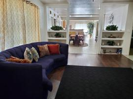 Near Beale St with Hot Tub - Sleep up to 20, vacation rental in Memphis